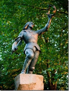 Richard III Statue Leicester 228x300 The Plantagenet Portrait Gallery